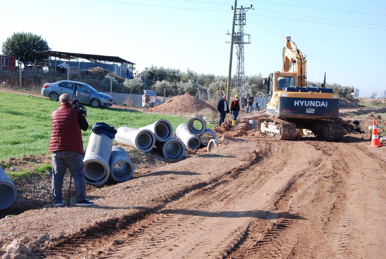 Adana Büyükşehir Belediyesi, su baskını sorununu çözmek için...
