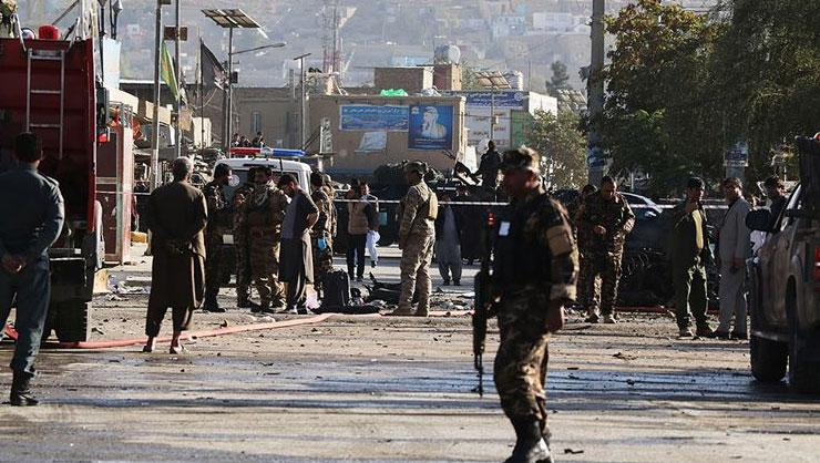 Afganistan'da üniversite servisine bombalı saldırı