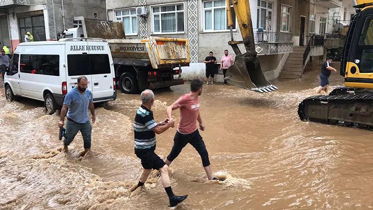 Artvin Arhavide yağış tekrar başladı! İki mahalle sular altında...