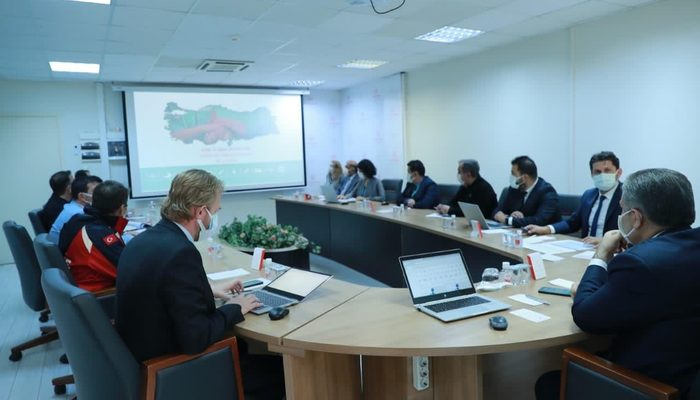Bakan Koca, İzmir İl Sağlık Toplantısı kararlarını açıkladı