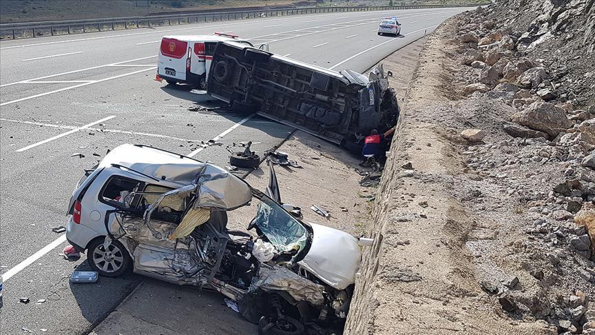 Bayram tatilinde acı bilanço: Trafik kazalarında can kaybı artıyor