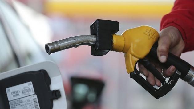 Benzin fiyatına yeni zam