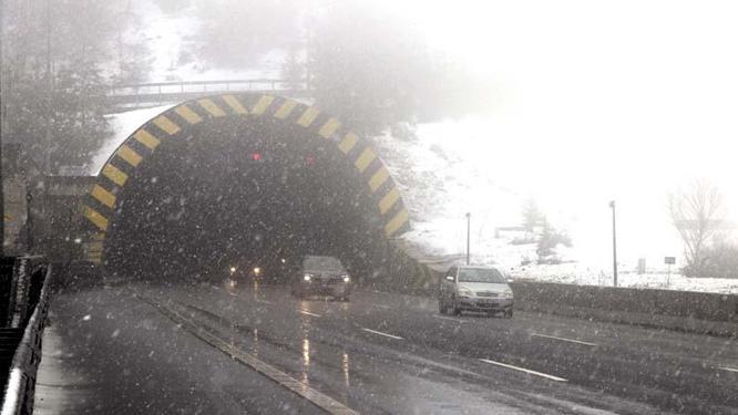 Bolu Dağında kar yağışı etkisini artırdı!