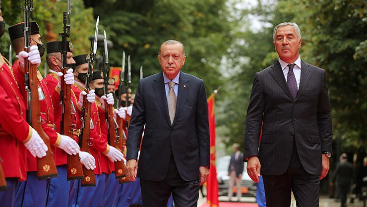 Cumhurbaşkanı Erdoğan, Karadağda! Resmi törenle karşılandı