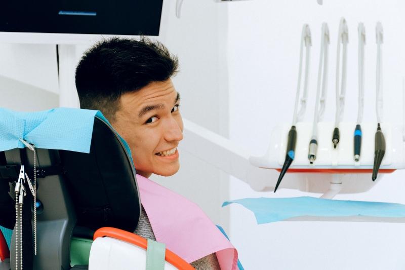 Diş çürümesinin belirtileri nelerdir?