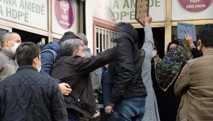 Diyarbakır'da HDP İl Başkanlığı önünde gerginlik! Aileler içeri girmek istedi