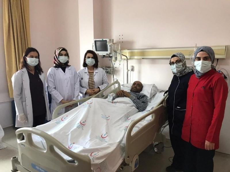 Erzurum'da korona hastası 155 gün sonra yoğun bakımdan çıktı