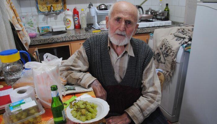 Eskişehir'de 86 yaşındaki adam koronavirüsü yendi