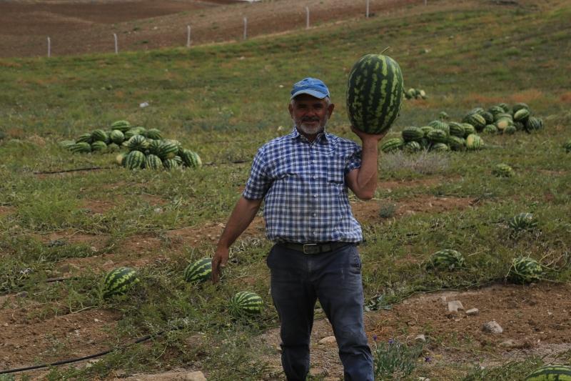 Gölbaşı Belediyesi Hem Çiftçiye Hem Vatandaşa Yardımlarına Devam Ediyor…