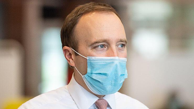 İngiltere Sağlık Bakanı kendini karantinaya aldı