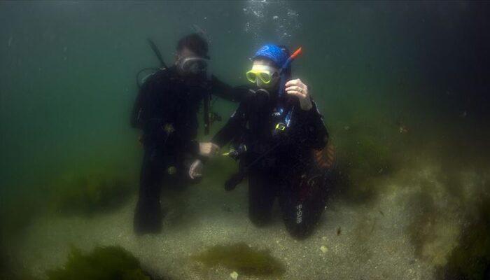 İzmir'deki depreme dalgıçlar su altındayken yakalandı