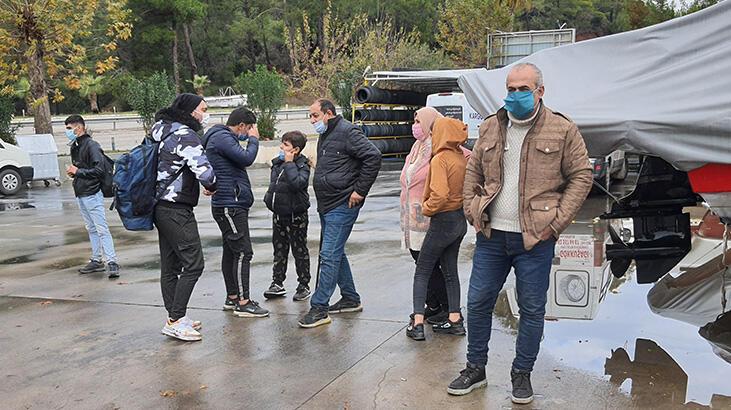 Kapalı olan kamp alanında geceleyen 39 kaçak göçmen yakalandı