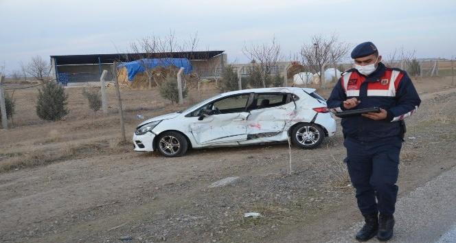 Konya'da kamyon ile otomobil çarpıştı: 3 yaralı