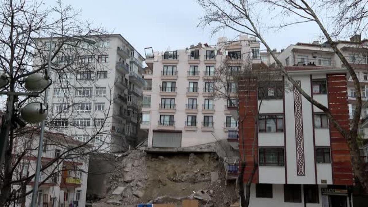 Kurum: 'İnşaat kazısı esnasında tedbiri almak zorundasınız, diğer binalara zarar veremezsiniz'