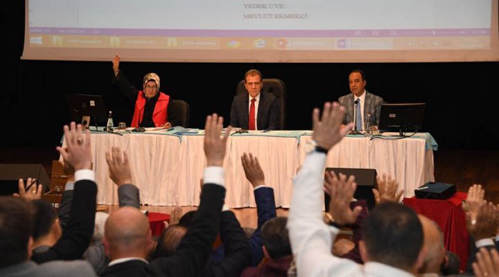 Mersin'de kavşağa 'sevgi' adının verilmesini AKP ve MHP'liler reddetti