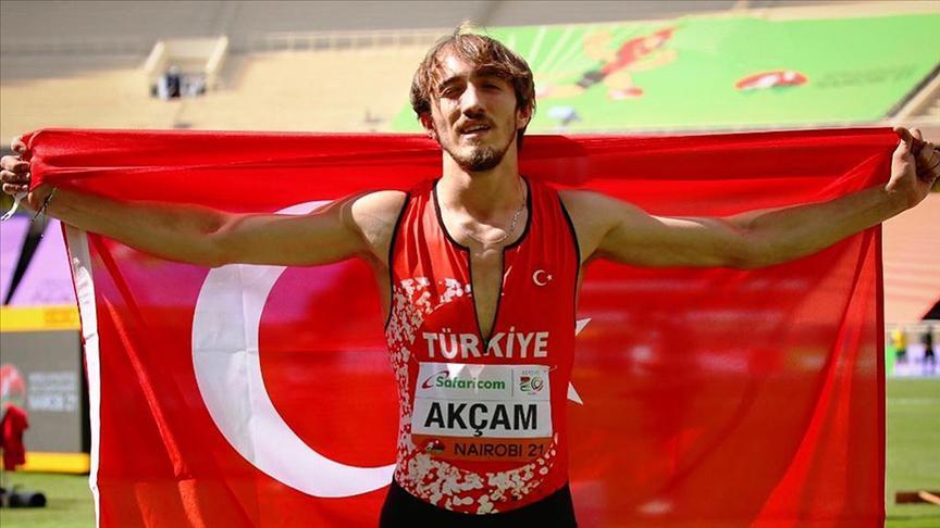 Milli atlet Berke Akçam dünya şampiyonu oldu