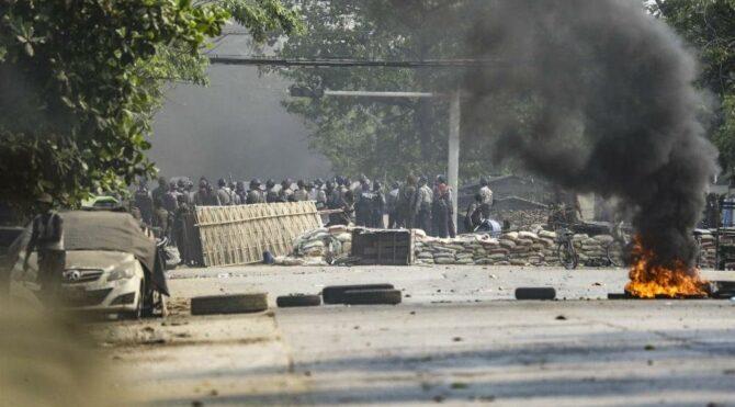 Myanmar'daki darbe karşıtı gösterilerde ölü sayısı yükseliyor