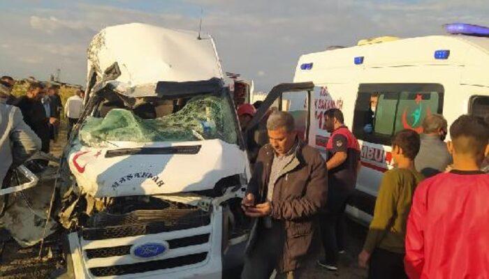 Şanlıurfa'nın Akçakale ilçesinde feci kaza! Ölü ve yaralılar var