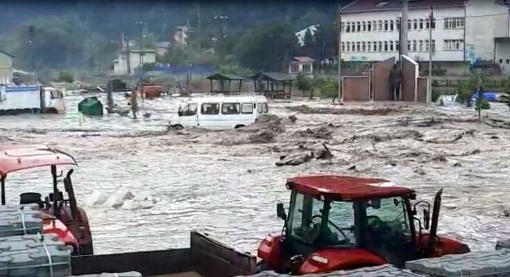 SON DAKİKA Kastamonu'yu sel vurdu! Belediye Başkanı Vidinlioğlu CNN TÜRK'te konuştu