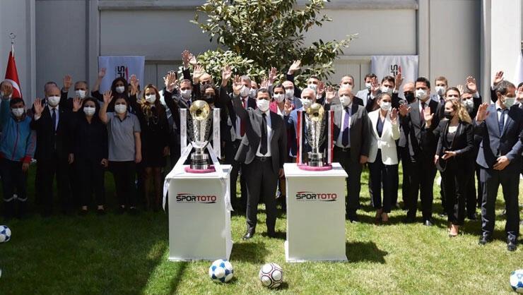 Süper Lig ve TFF 1. Lig şampiyonluk kupaları hazır