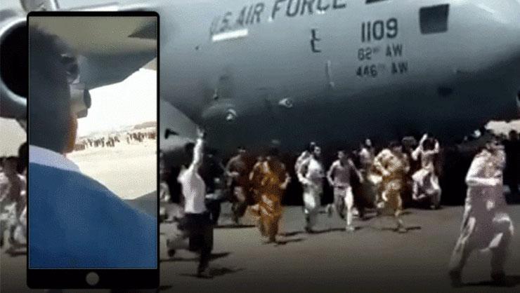 Talibandan kaçmak için uçağın iniş takımlarına tutunan Afganların...