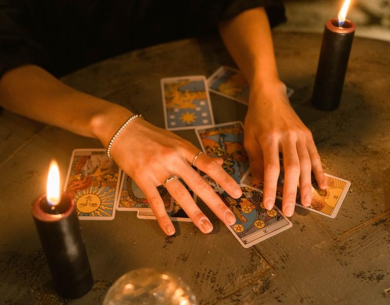 Tek Kart Tarot Falı ile Aşk Hayatınızdan Tahminler