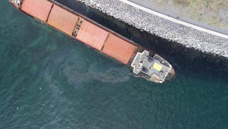 Zeytinburnunda karaya oturan gemiden sızıntı oldu
