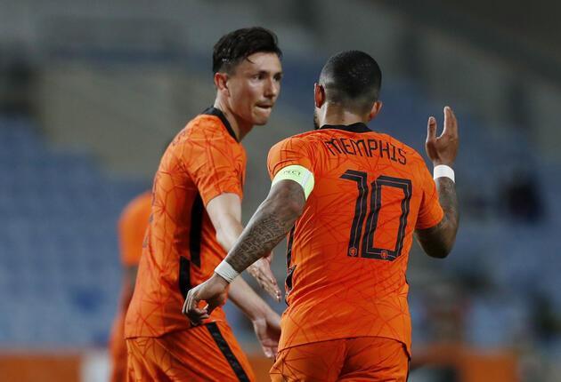 Son dakika... Feyenoord'dan Ajax'a transfer olan Berghuis ölüm tehditleri alıyor!