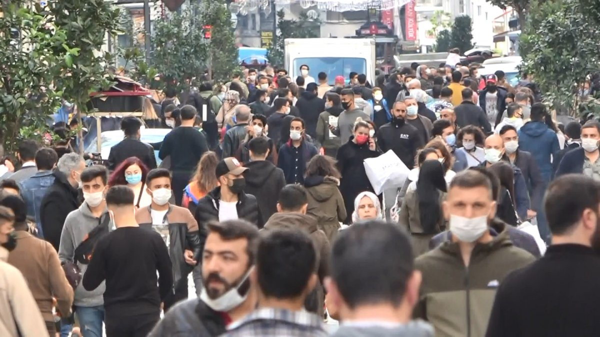 Taksim'de korkutan kalabalık #1