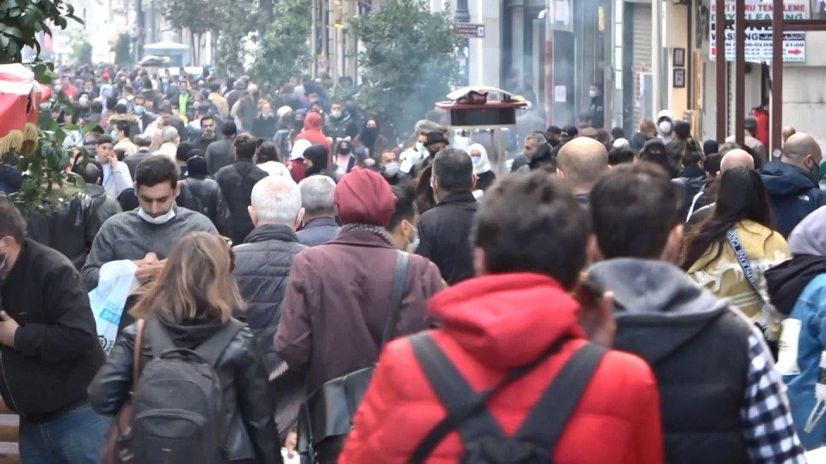 Taksim'de korkutan kalabalık #6