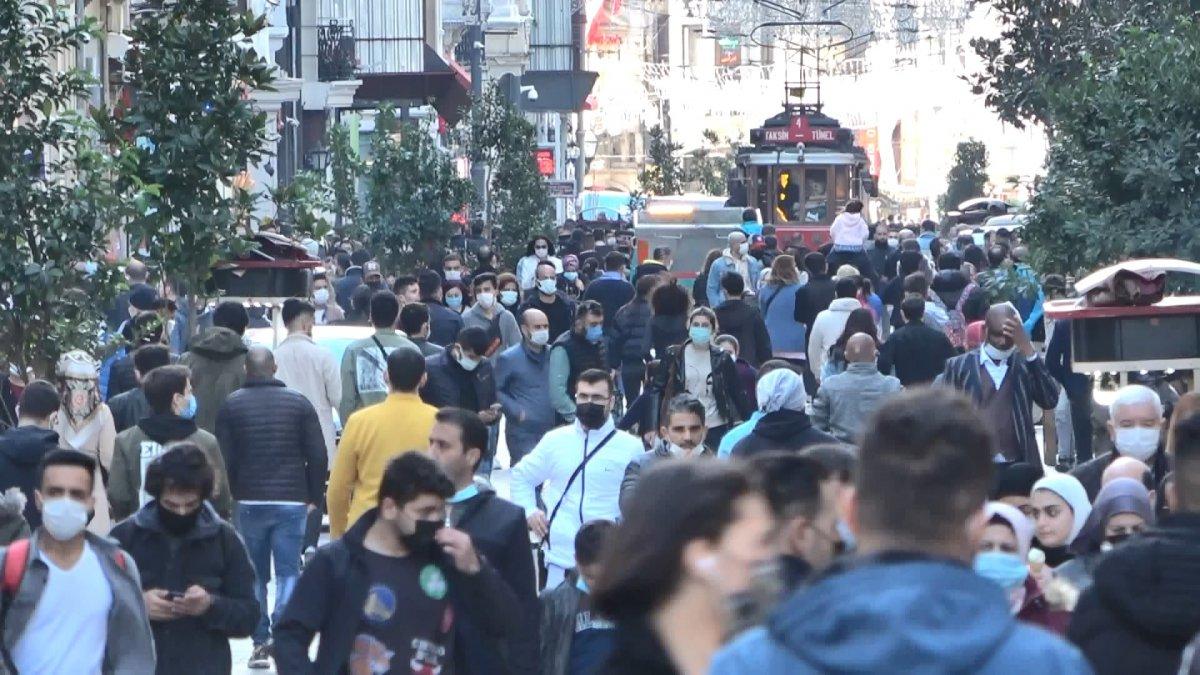 Taksim'de korkutan kalabalık #8