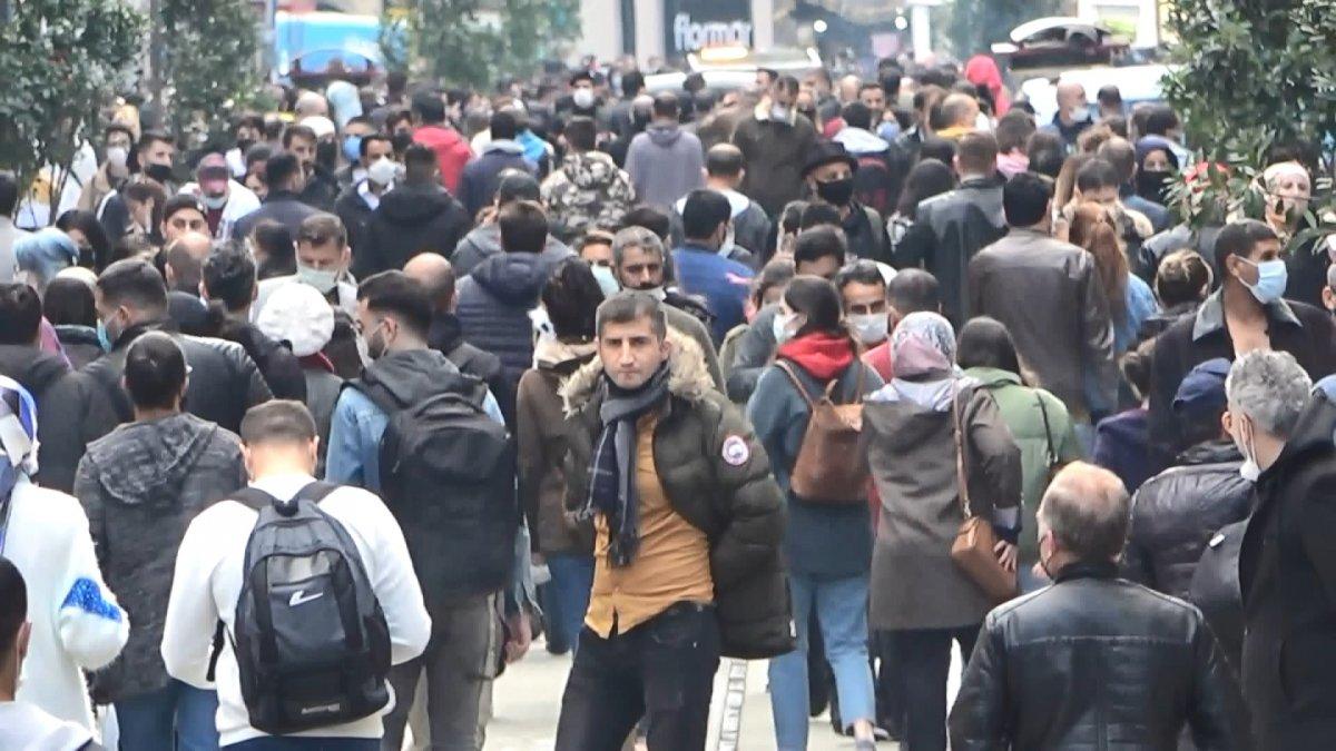 Taksim'de korkutan kalabalık #9