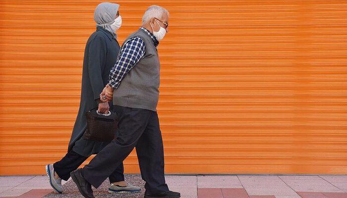 Ankara ve İstanbul'un ardından İzmir'de 65 yaş üstüne kısıtlama kararı!