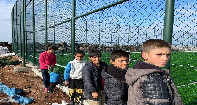 Bakan Kasapoğlu'nun Viranşehirli köylülere verdiği tenis kortu sözü gerçekleştirildi