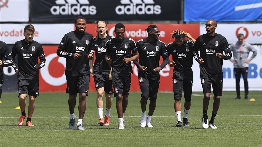 Beşiktaşın Göztepe maçı kamp kadrosu açıklandı