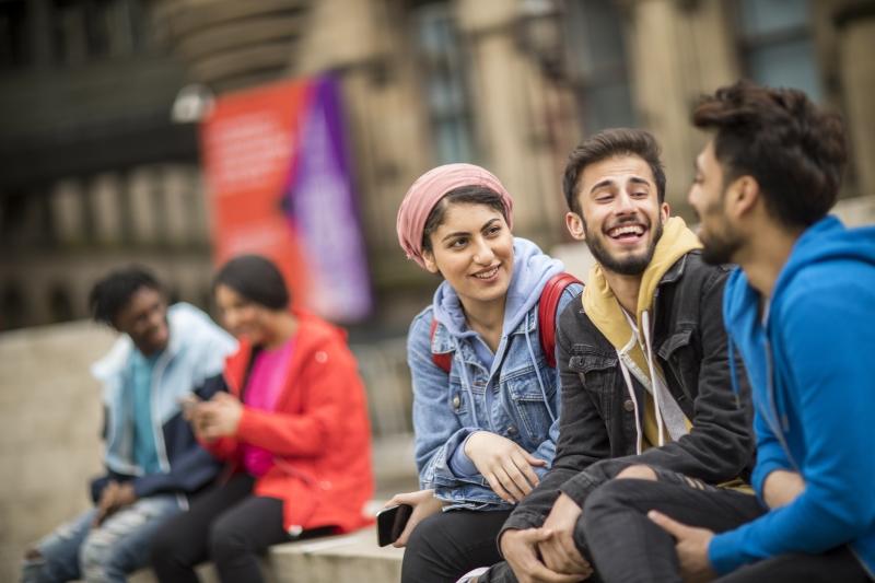Birleşik Krallık'ta eğitim almak isteyen öğrenciler, 11 Ekim-3 Kasım arasında 30 üniversite ile birebir görüşme imkanı elde ediyor