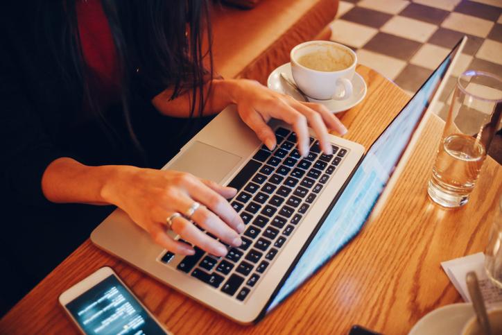 Bloggerlık Nedir, Blogger ile Para Kazanmak Mümkün Müdür?