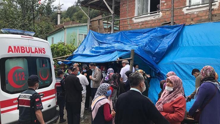 Cenaze evinde 3 metre yüksekliğindeki balkon çöktü! Yaralılar...