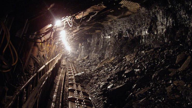 Çinde işçiler 15 gün daha çöken madende bekleyecek