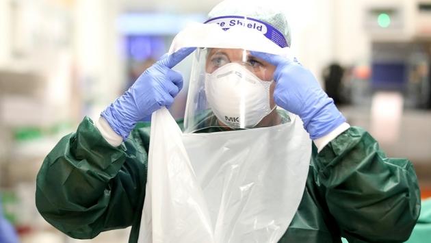 Covid-19'dan taburcu edilenlerin üçte biri yeniden hastaneye kaldırıldı