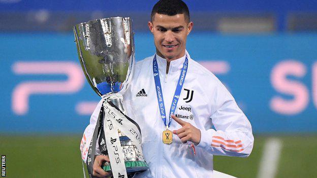 Cristiano Ronaldo, Josef Bicanı geçerek tarihin en golcüsü oldu