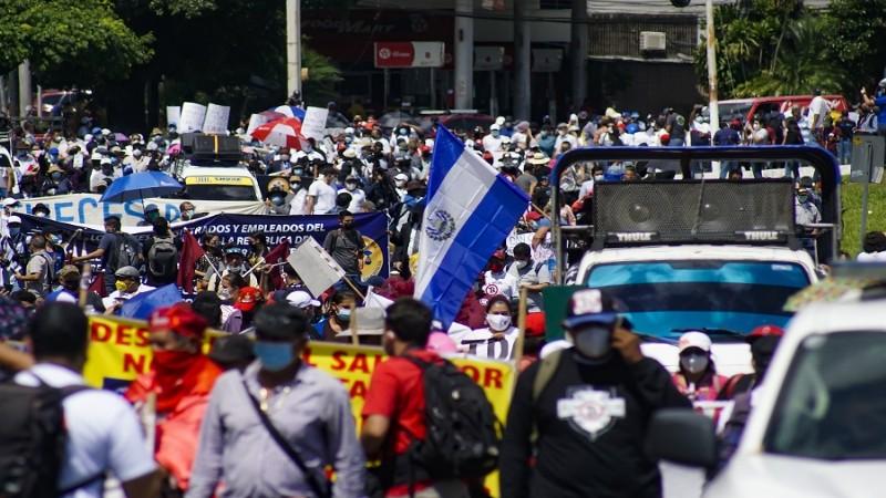 El Salvador'da Bitcoin isyanı