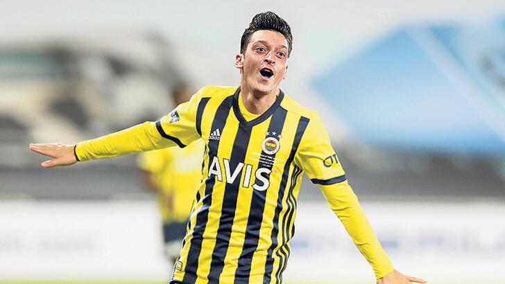 Fenerbahçe'de Yeni Kaptan Adayı Mesut Özil
