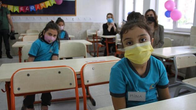 Halk sağlığı uzmanı Prof. Dr. Saltık: Okullar bu şekilde açılırsa korkunç bir facia olur
