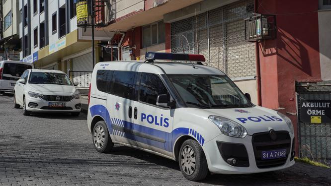 İstanbulda 13 yaşındaki kız çocuğu babasının silahıyla oynarken...