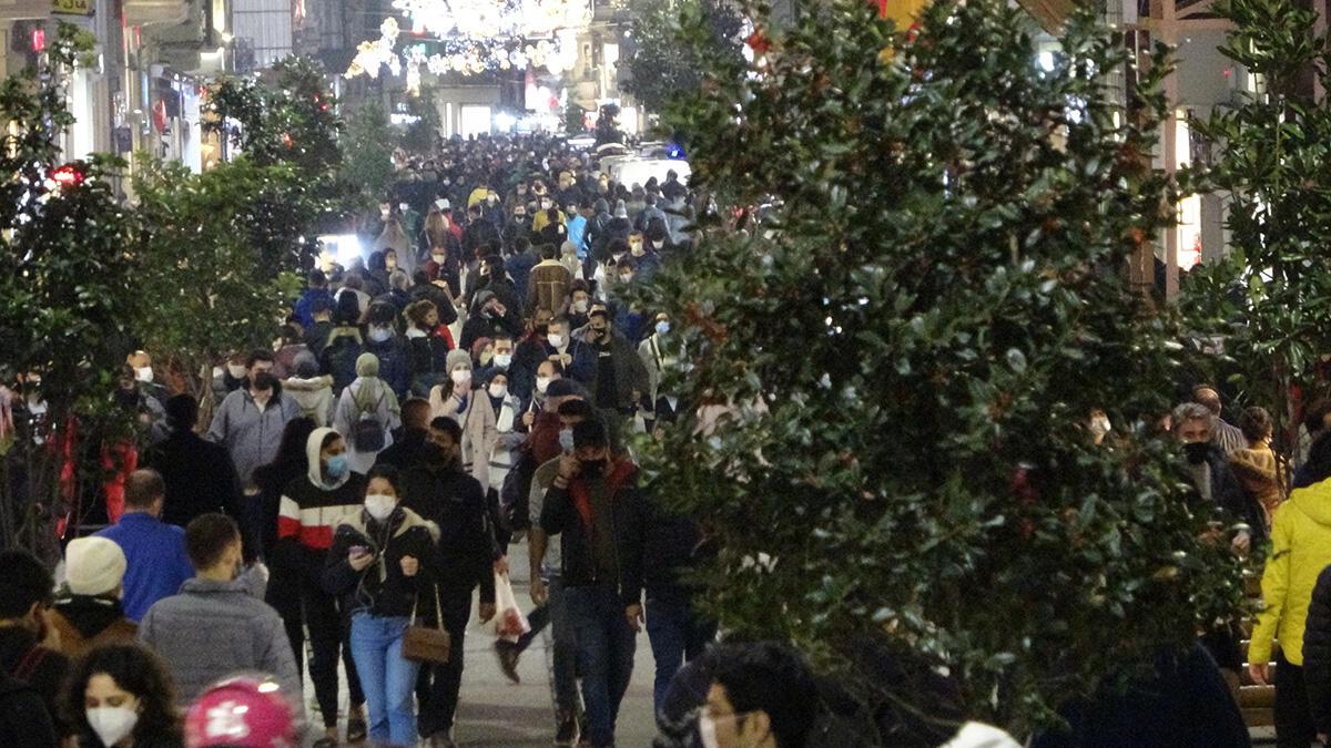 Taksim'de dikkat çeken yoğunluk | Video