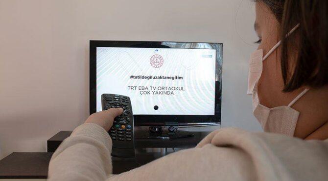 Yılın son gününde ders programı belli oldu! EBA TV canlı ders saatleri ve konuları…